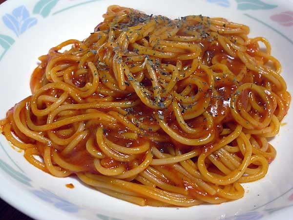 スパゲッティミートソースバジル