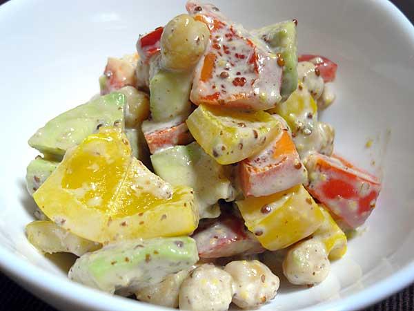 ひよこ豆とアボカドパプリカのサラダ